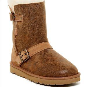 UGG Short Dylan Boots sz 9